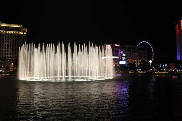 Captivating Cascade.: The Bellagio fountains in Las Vegas