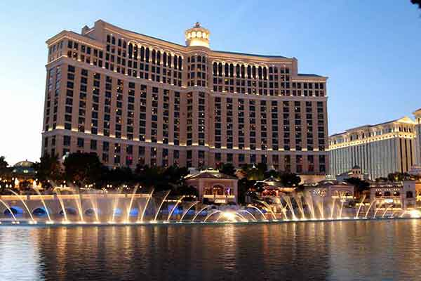 Sensational Splash: Bellagio's Musical Fountain on The Las Vegas Strip