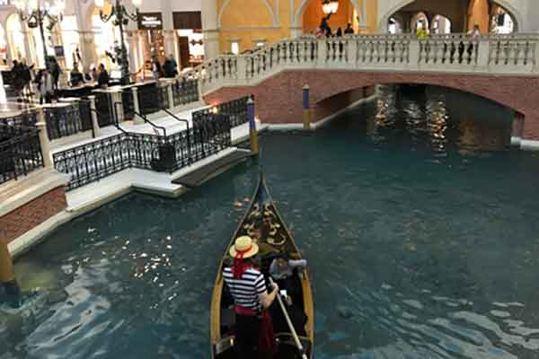 Serenading gondoliers in The Venetian, Las Vegas